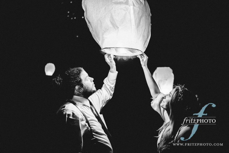 most awesome wedding photo ever