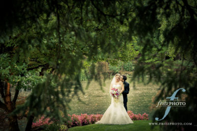 Lakeside Gardens wedding photographer Portland