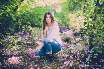 Senior photos in flowers in beaverton.