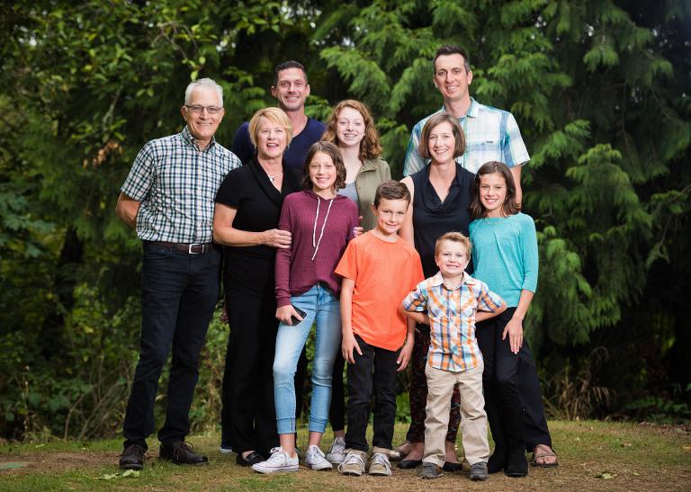 Big Family portraits in Tigard Oregon