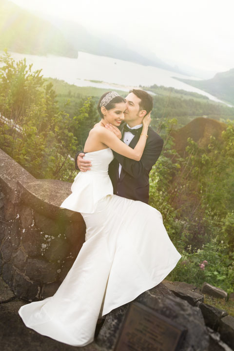Wedding photo in Columbia River Gorge near Portland